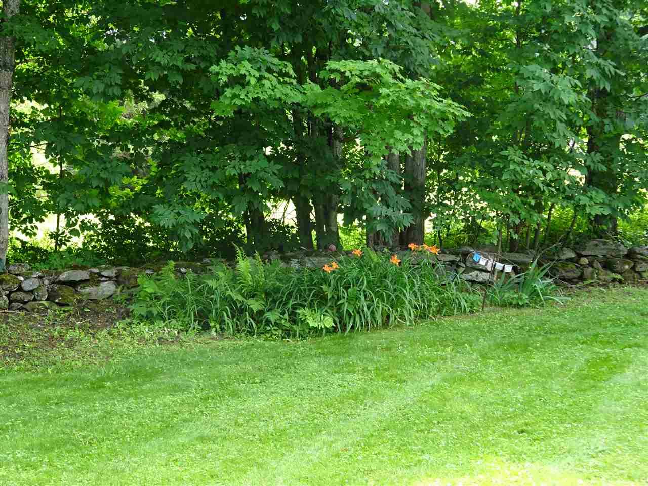 Very nice open flat yard 11199004