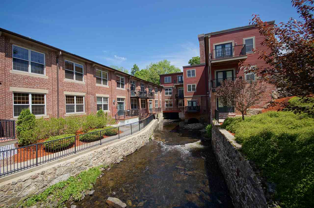 image of Derry NH Condo | sq.ft. 1034