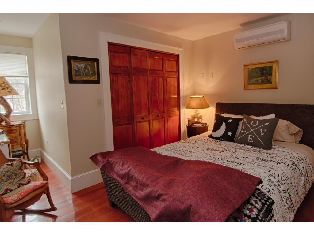 Bedroom 11232351
