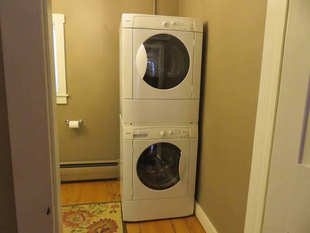 Half bath w/Laundry 11225151
