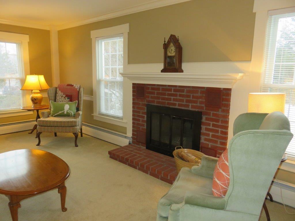 Wood Fireplace 11225154