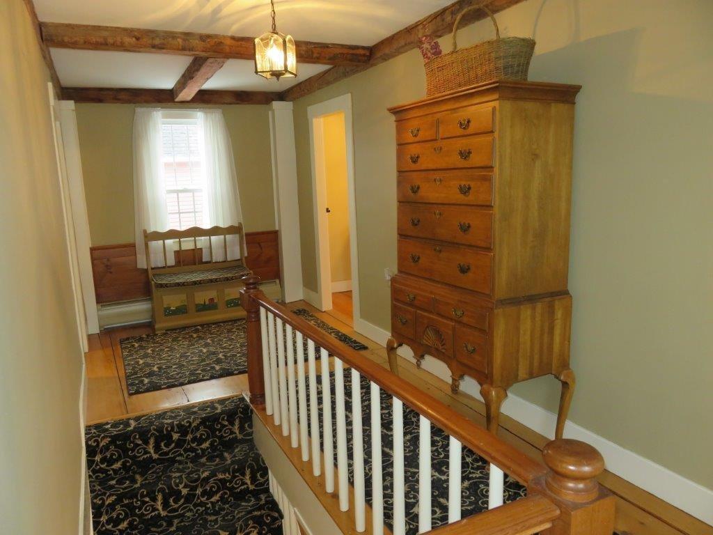 2nd Floor Hallway 11225157