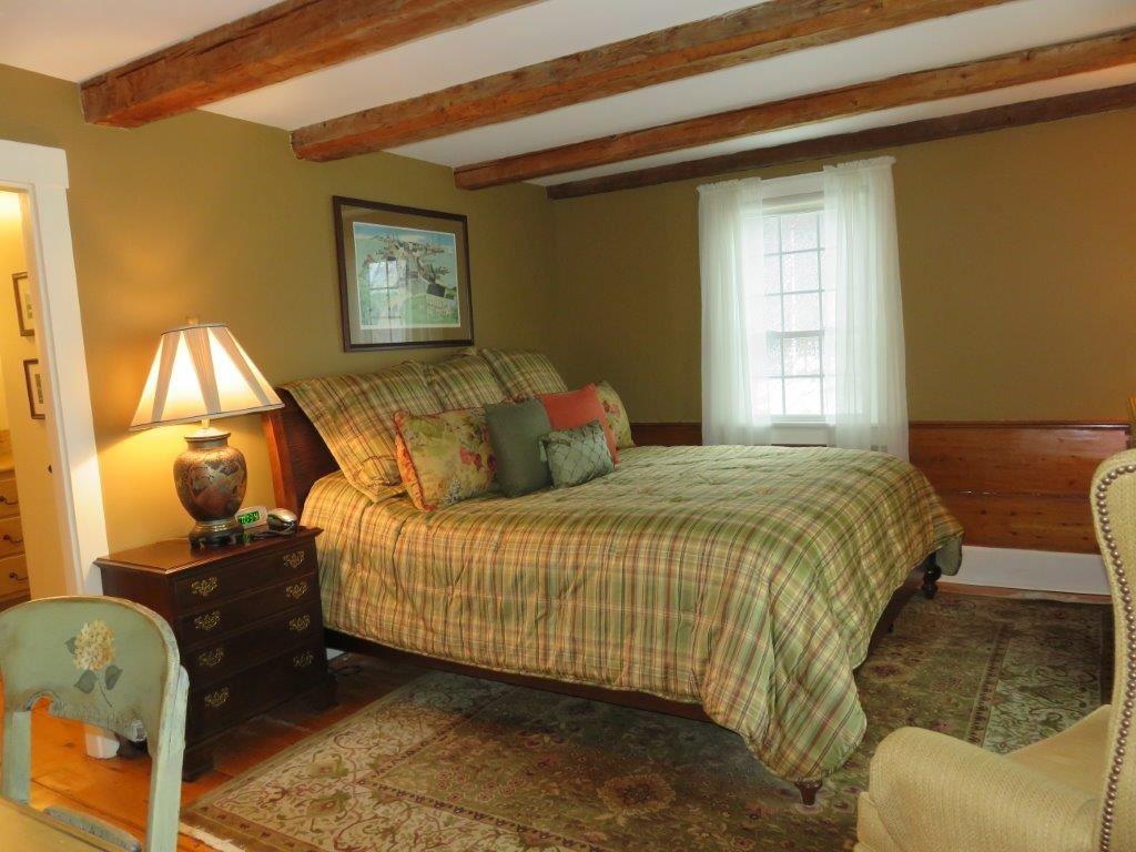 Master Bedroom 11225158