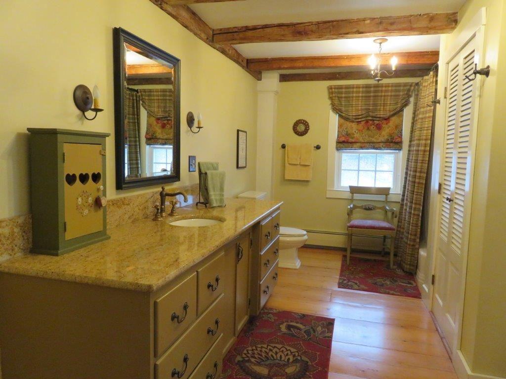 New 2nd Floor Bath 11225161