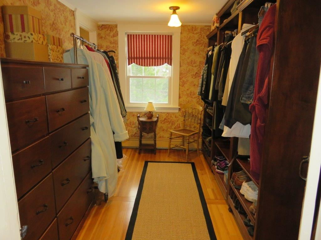 Walk in closet 11225167