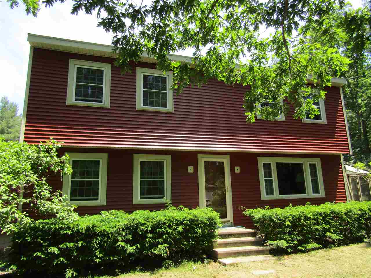 Litchfield NHHome for sale $List Price is $349,900
