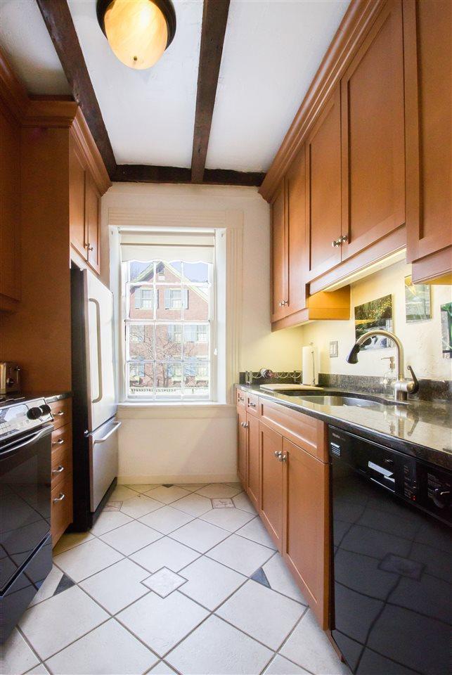 Modern Kitchen 11258728
