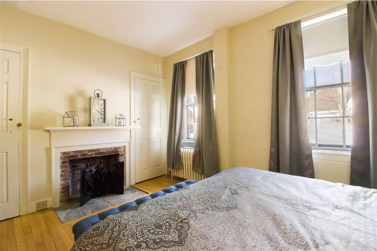 Spacious Master Bedroom 11258734