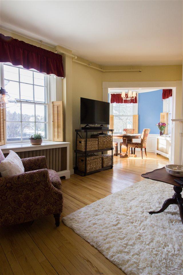 Spacious Living Room 11258723