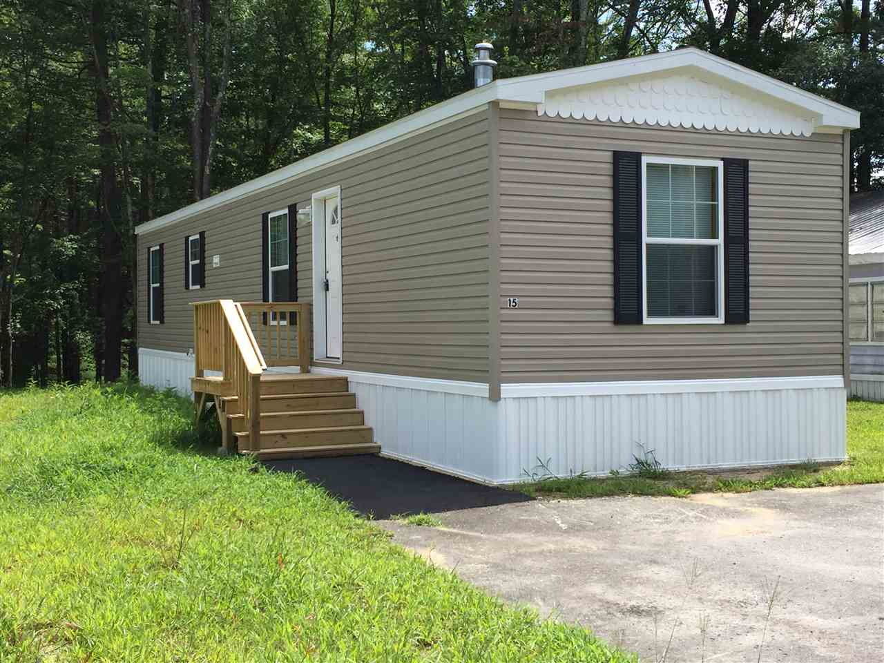 Raymond NH Mobile-Manufacured Home for sale $List Price is $70,000