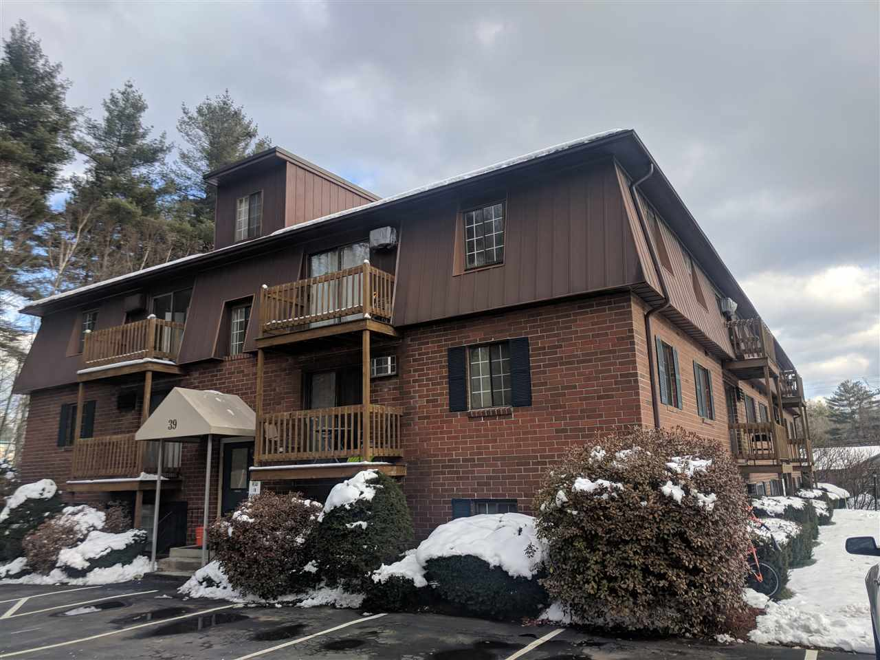 MANCHESTER NH Apartment for rent $Apartment For Lease: $950 with Lease Term