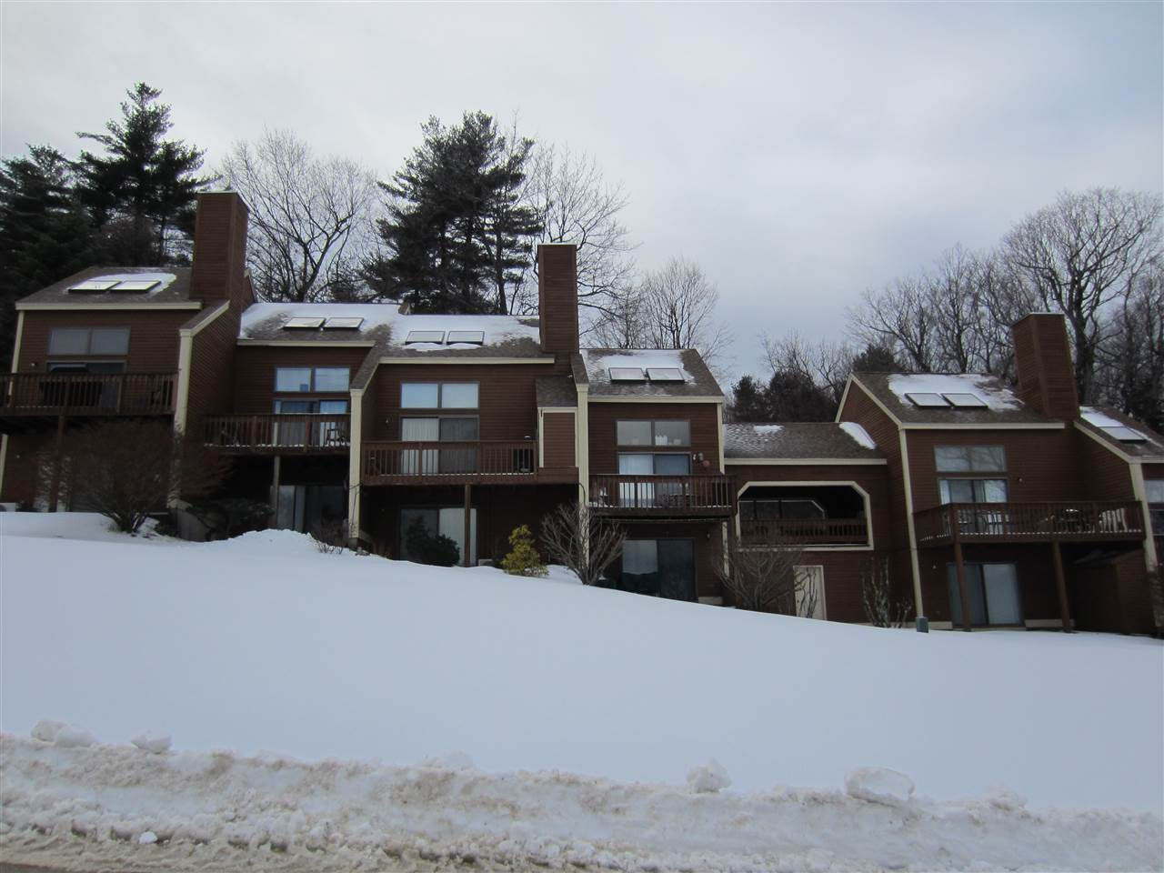 BENNINGTON NH Condo for rent $Condo For Lease: $750 with Lease Term