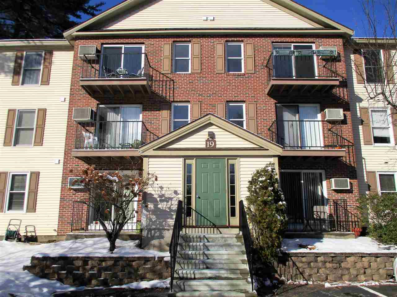 Merrimack NH Condo for sale $List Price is $127,900
