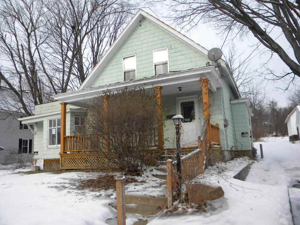 Pembroke NH Home for sale $List Price is $84,900