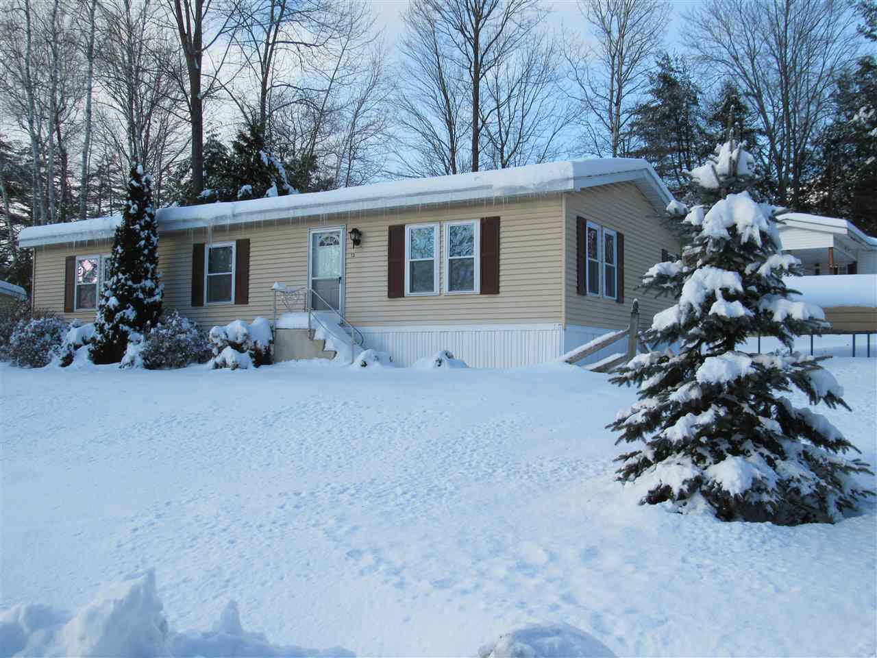 CLAREMONT NH Mobile-Manufacured Home for sale $$25,500 | $22 per sq.ft.