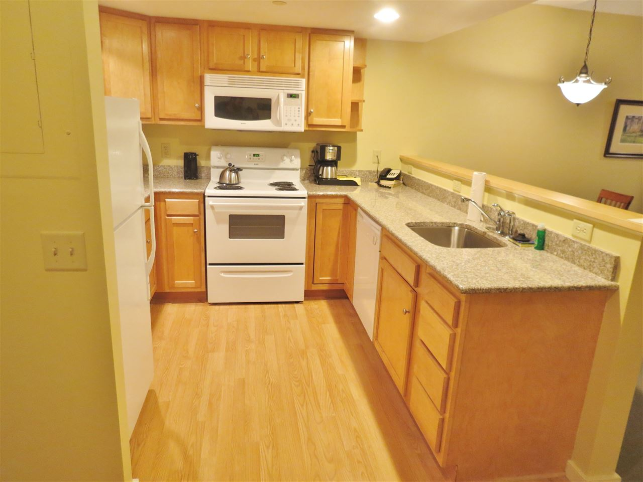 Fully Equipped Kitchen 11307299