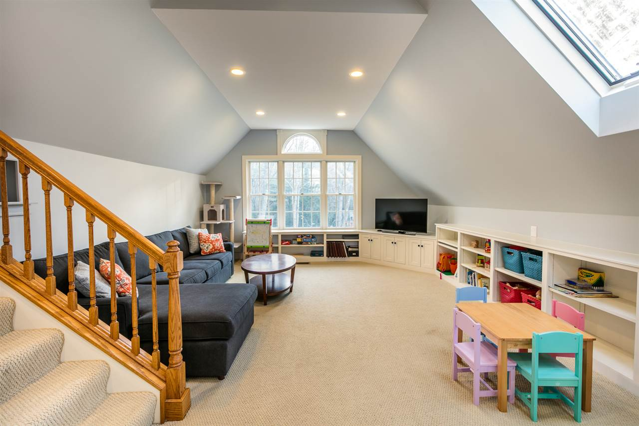 Spectacular playroom/family room 11309569