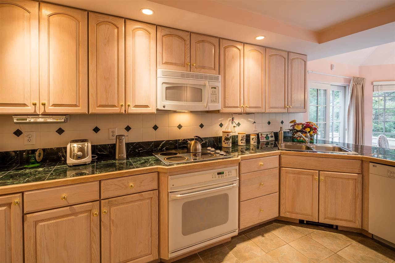 Great counter space 11309774