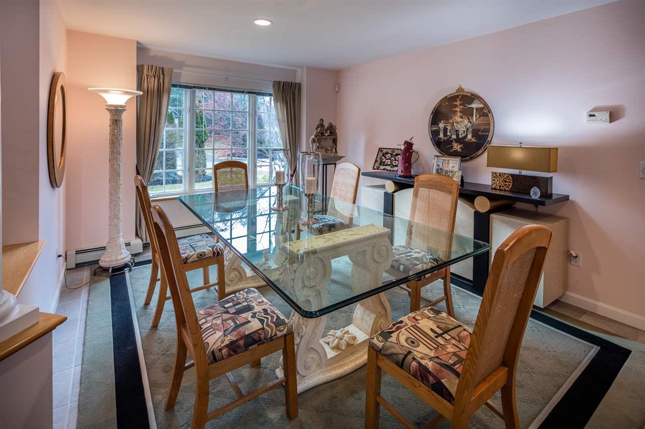 Formal dining room 11309769