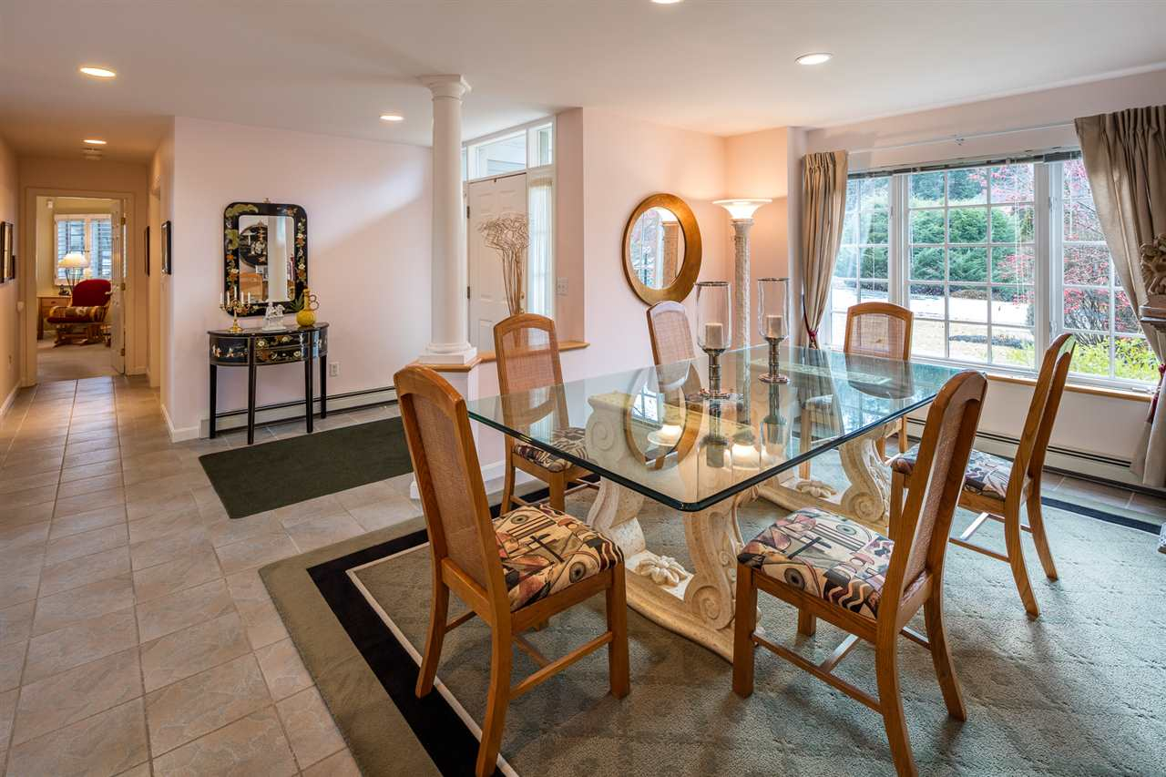 Dining room to foyer 11309771