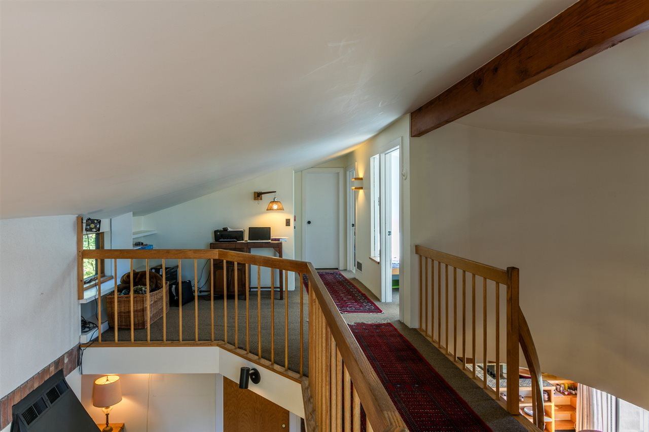 Upstairs Hallway 11310798
