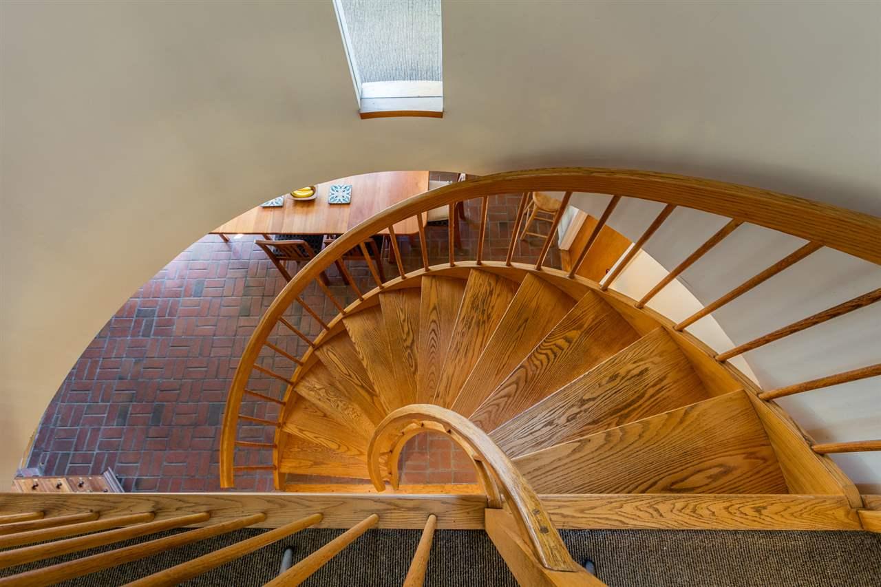 Gorgeous staircase 11310799