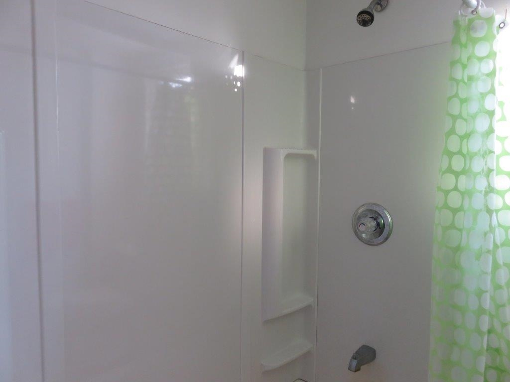 2nd Floor Bath 11297175