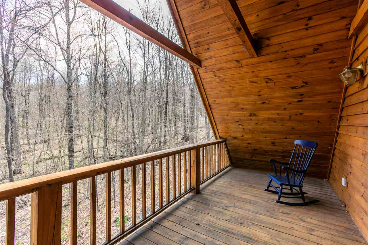 Deck off master bedroom 11318718