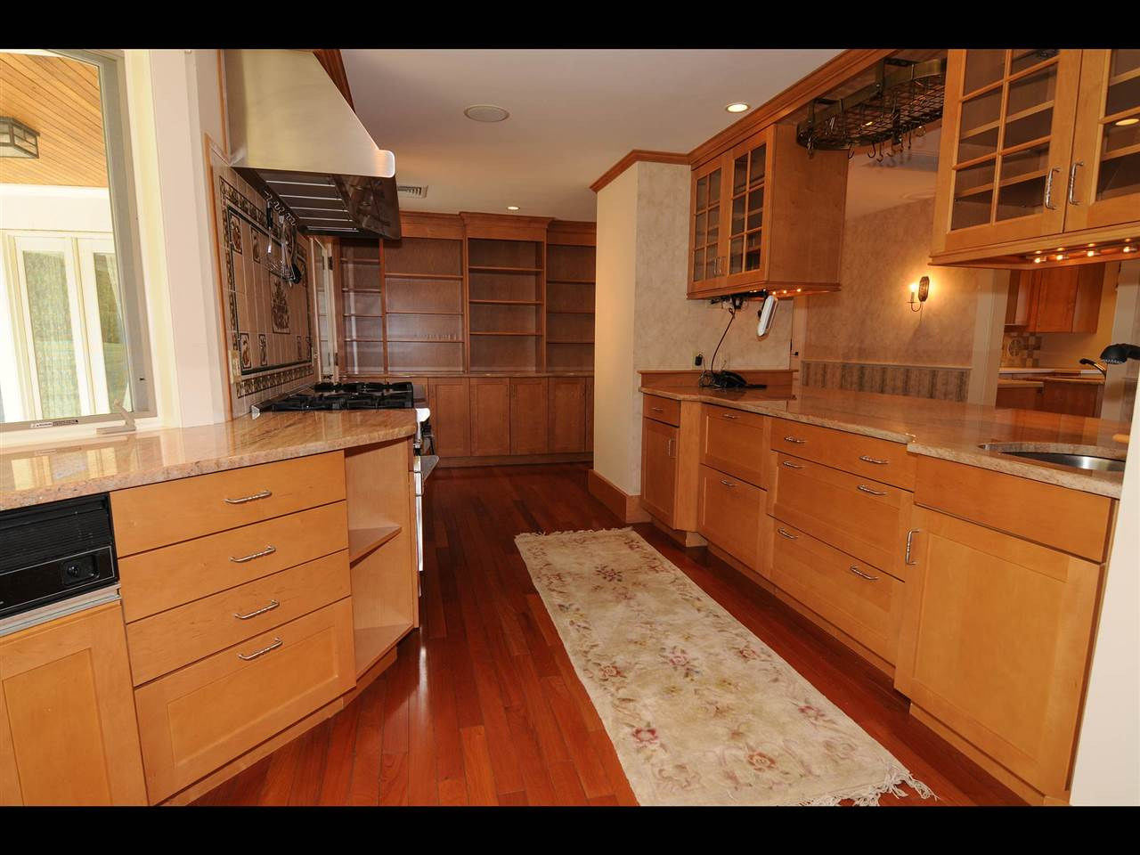Built in island with refrigerator drawers 11319838