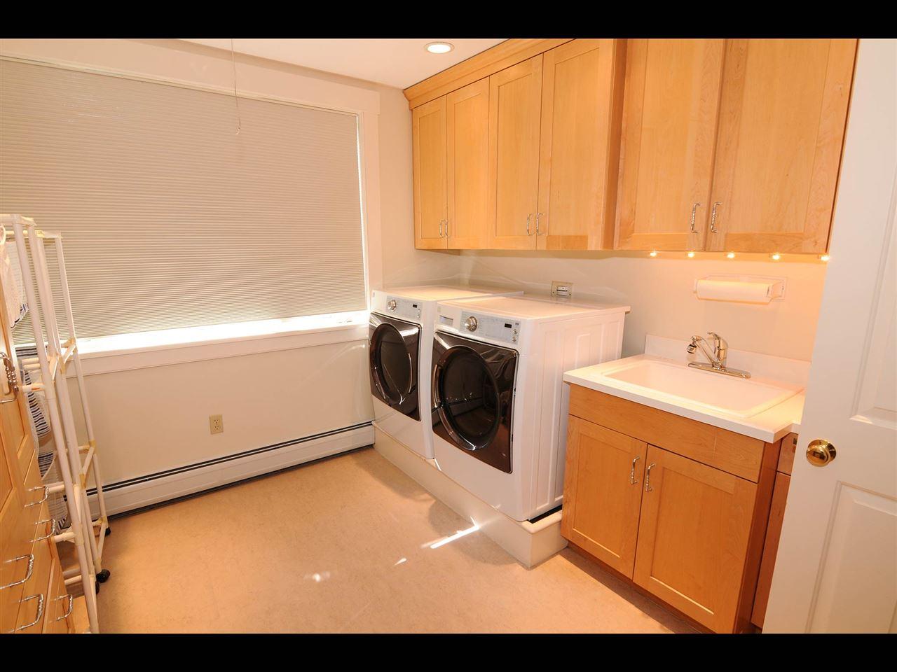 Fabulous laundry room 11319887