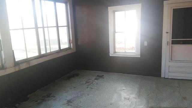enclosed porch 11324947