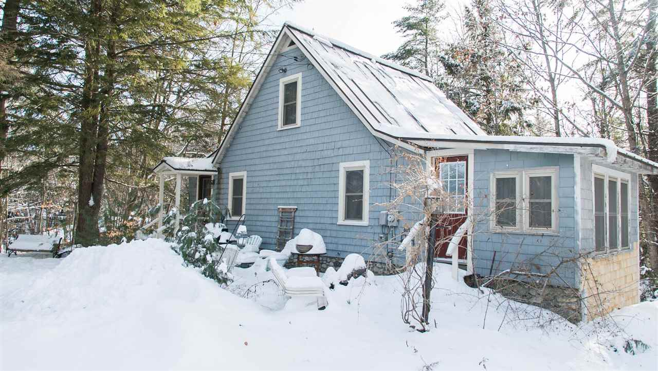 NEW LONDON NH Home for sale $$155,000 | $187 per sq.ft.