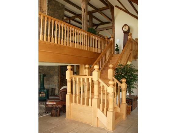 Butternut Stairway 11330306