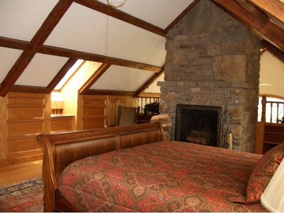 Master Bedroom 11330307