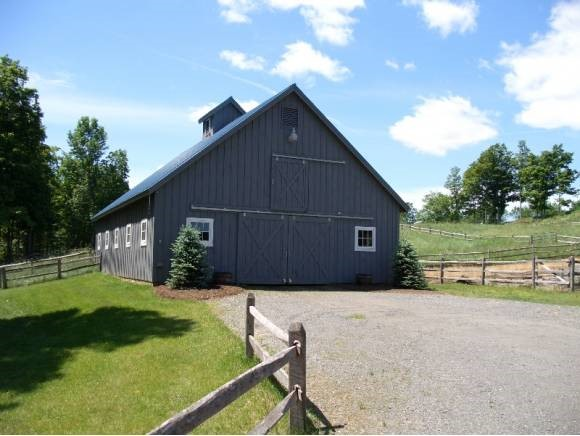 Horse Barn 11330319