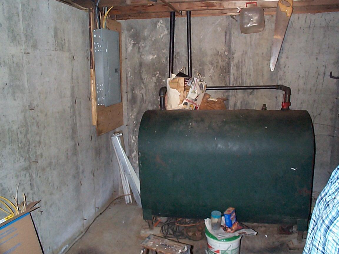 Utility room 12307044