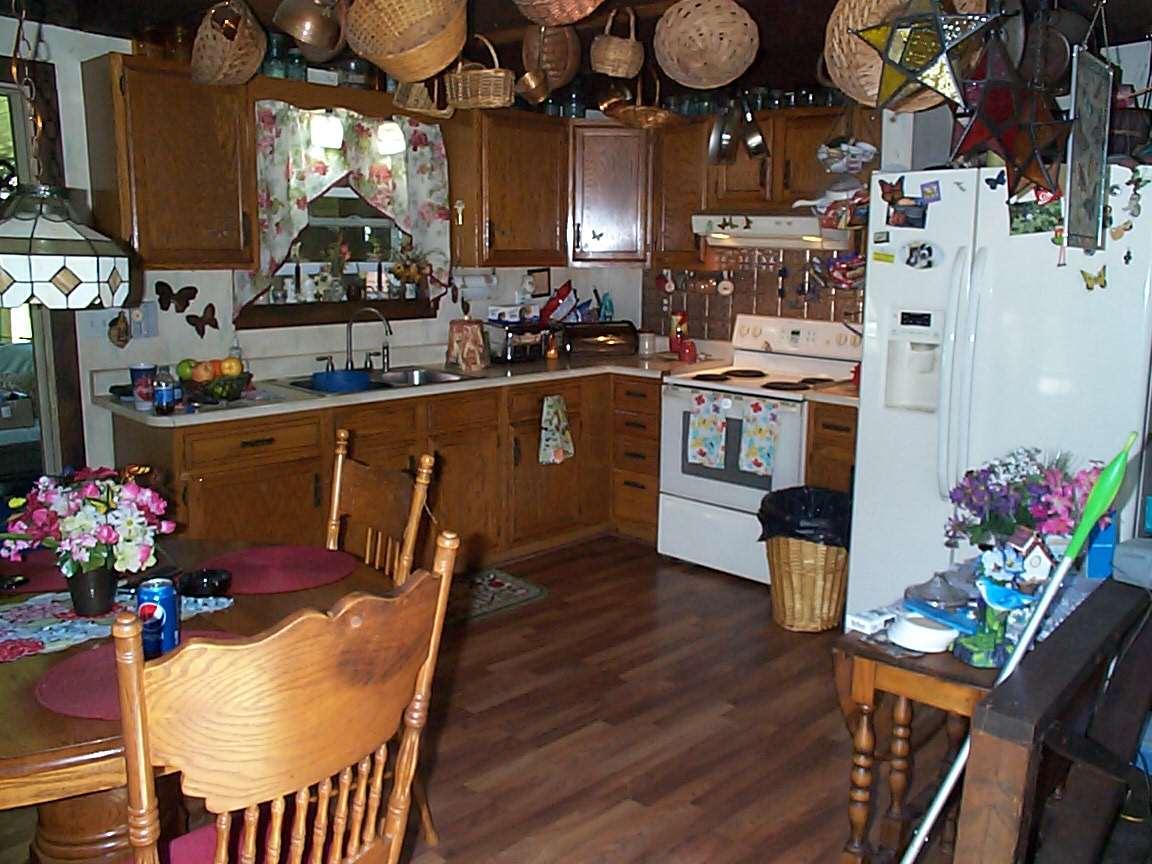 effecient kitchen space 12307033