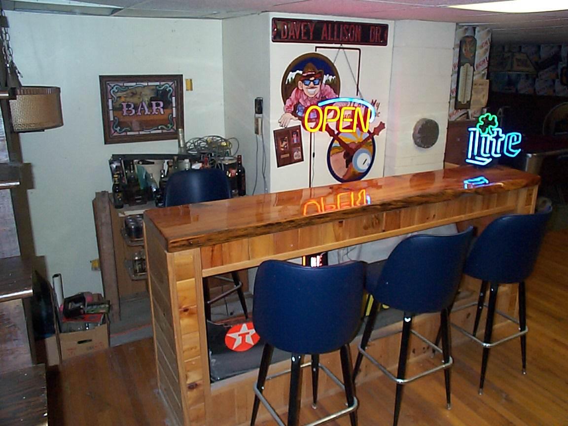 Nice Dry Bar / Rec room area 12307034
