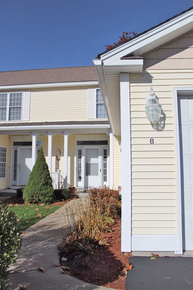 Hooksett NH Condo for sale $List Price is $250,000