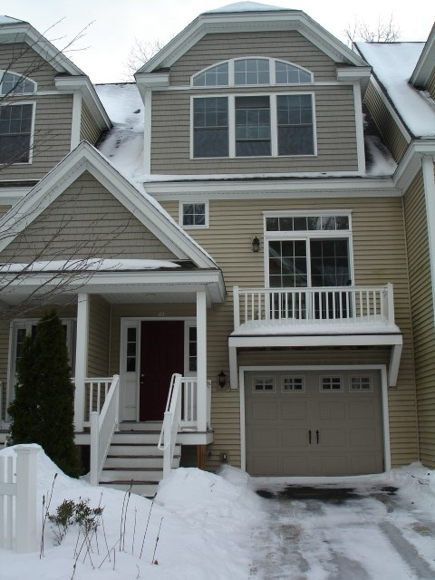 Manchester NH Condo for sale $List Price is $227,900