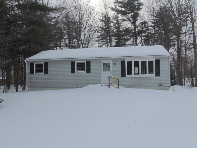 Hooksett NH Home for sale $List Price is $195,000