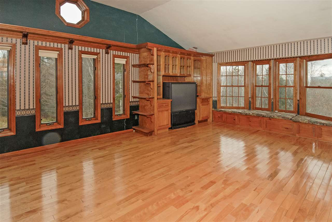 2nd floor family room