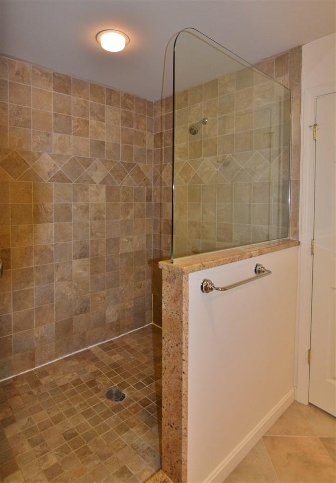 Large Tiled Shower 11337171