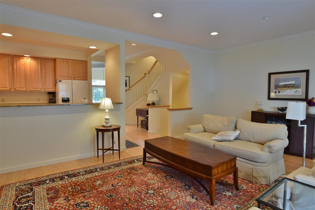Elegant Living Spaces 11337180