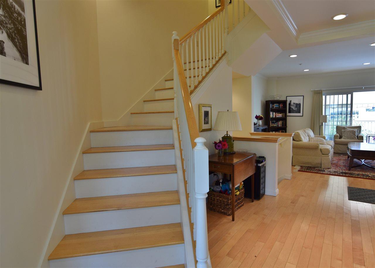 Wood Floors 11337173