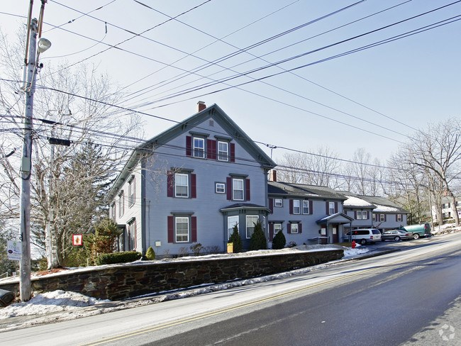 DERRY NH Apartment for rent $Apartment For Lease: $1,195 with Lease Term
