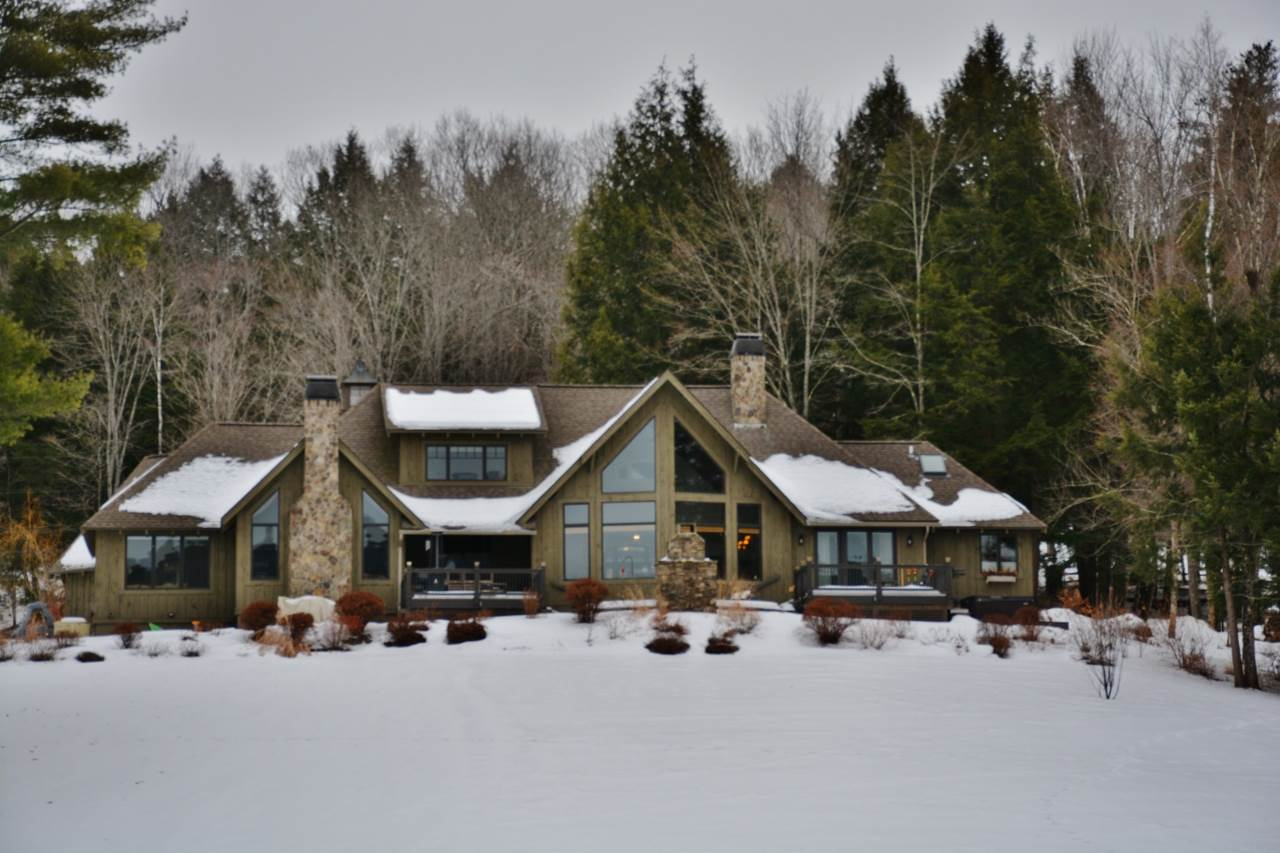 Woodstock VT Horse Farm | Property  on OTTAUQUECHEE RIVER