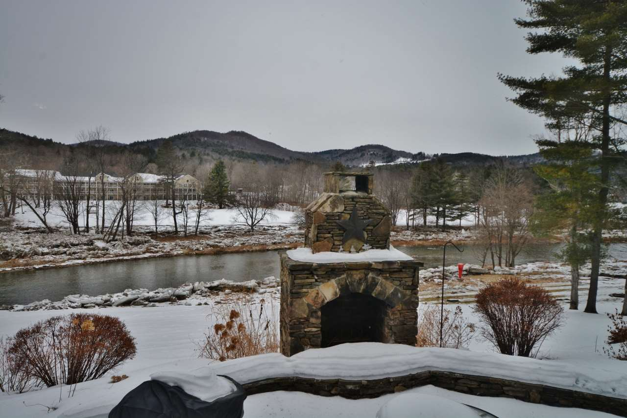 Stone Patio & fireplace/grill 11387761