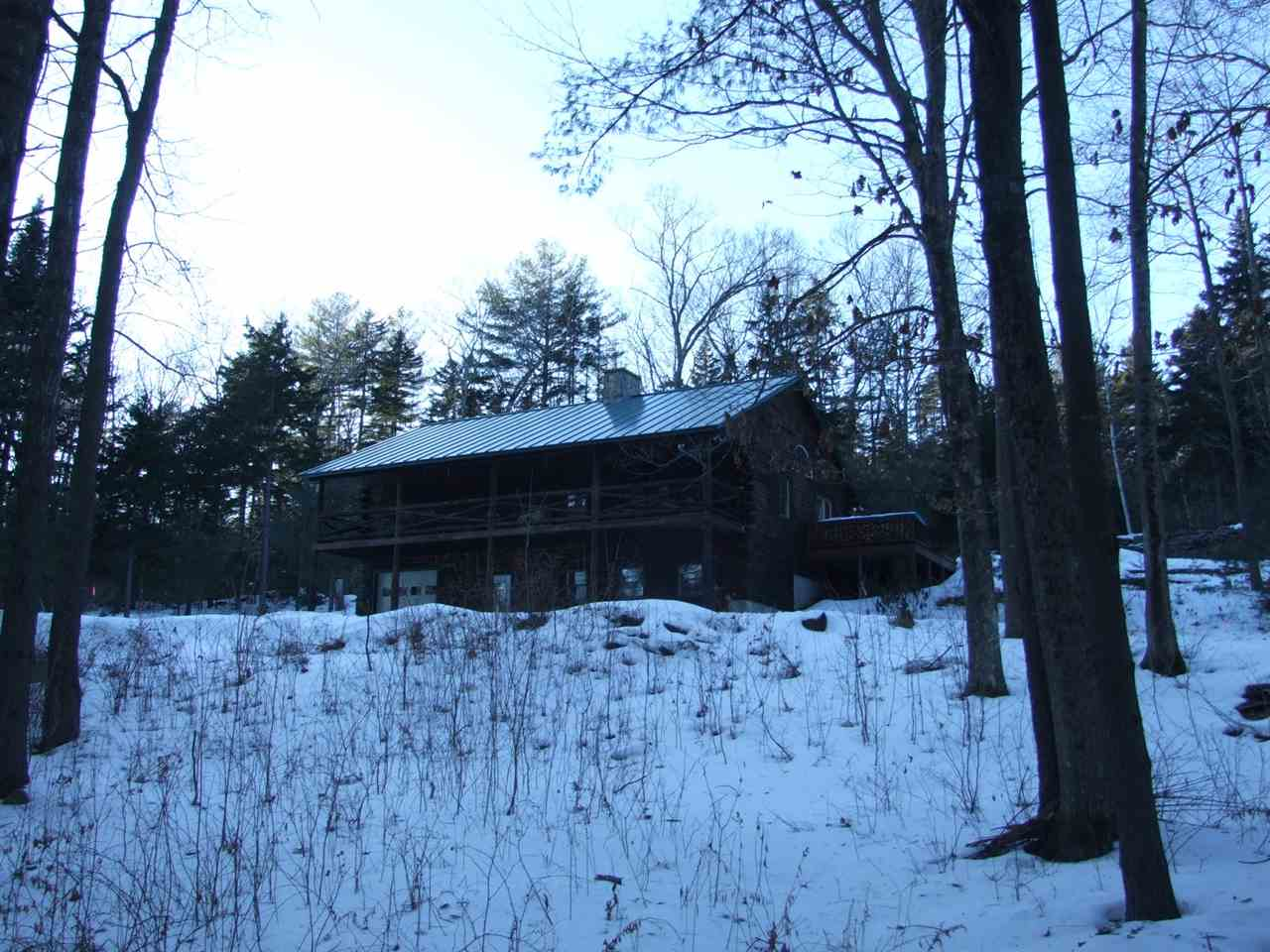 Very well maintained log home 11389655