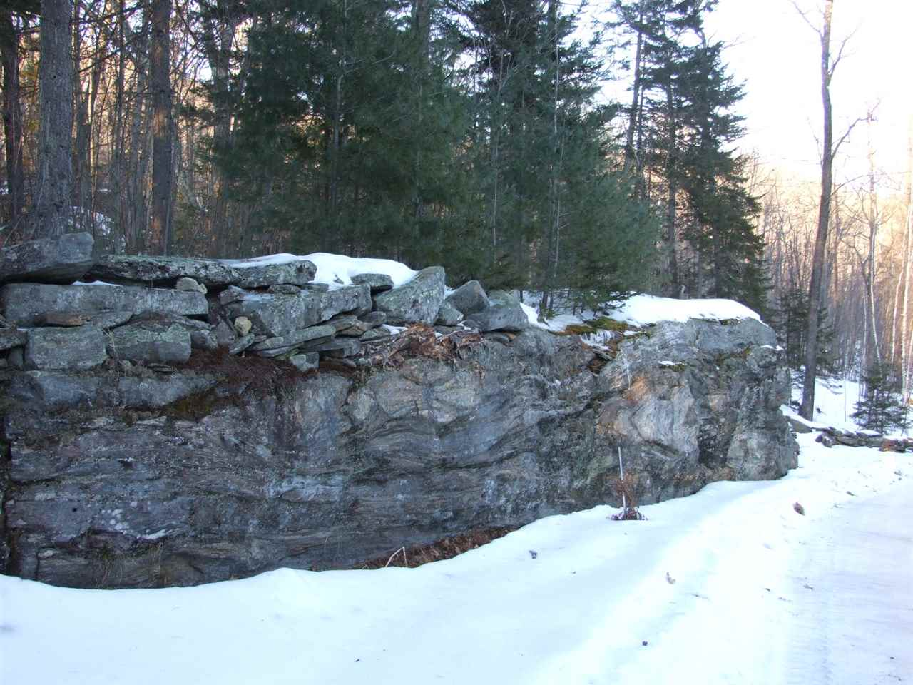 Interesting ledge outcroppings 11389654